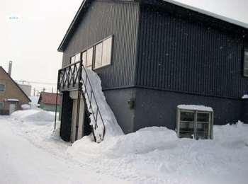 雪の階段.JPG